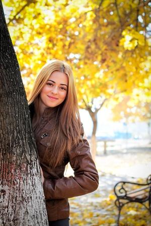 公園で幸せな女 写真素材