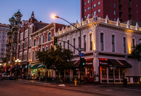 Nightlife, shops and restaurants on Fifth Avenue  in the Gaslamp Quarter Historic District, in downtown San Diego, California,