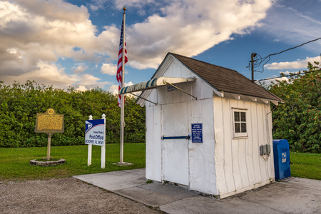 post office: OCHOPEE, FLORIDA - JANUARY 14, 2015: Smallest Post Office in the United States. It used to be a storage facility for irrigation pipes and became a post office in 1953. Editorial