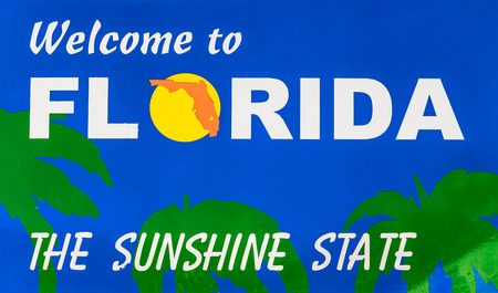 sunshine state: Welcome to Florida road sign