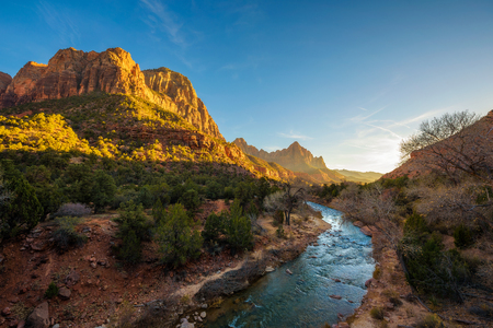 Sunset Over the Virgin River in Zion National Park Imagens