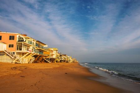 Oceanfront homes of Malibu beach in California Foto de archivo - 100323431