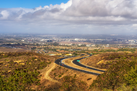 California State Route 73 viewed from the Vista Ridge Park 免版税图像