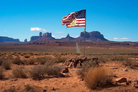 Navajo - American flag in Monument Valley, Utah Stok Fotoğraf