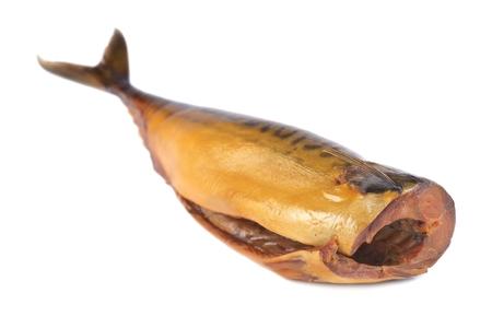 carcass: Gerookte makreel, karkas zonder het hoofd op een witte achtergrond