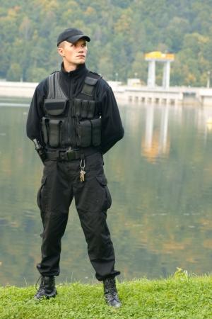guardia de seguridad: Servicio de seguridad en uniforme y armados