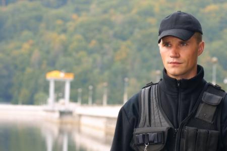 guarda de seguridad: Servicio de seguridad en uniforme, retrato