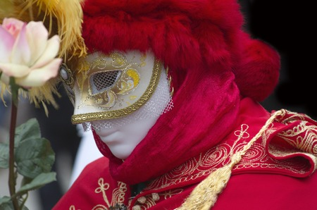 anonymus: Venetian masks vith roses flower on carnival in Venice