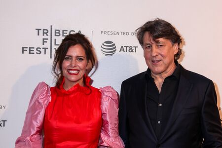 NEW YORK, NY - APRIL 30. 2019: Ione Skye (L) and Cameron Crowe( R) attending at 30th Anniversary of Say Anything  2019 Tribeca Film Festival at Stella Artois Theater at BMCC Tribeca Performing Arts  報道画像