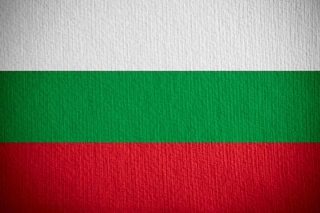 drapeau de la Bulgarie ou de la bannière bulgare sur fond de papier