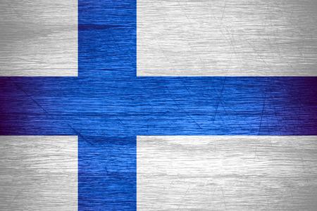 bandera de finlandia: Finlandia bandera o estandarte finlandesa sobre la textura de madera