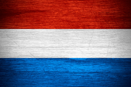 drapeau hollande: Le drapeau des Pays-Bas, la Hollande ou la banni�re n�erlandaise sur la texture bois