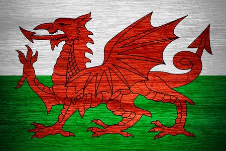 welsh flag: Galles bandiera o striscione Welsh su struttura di legno