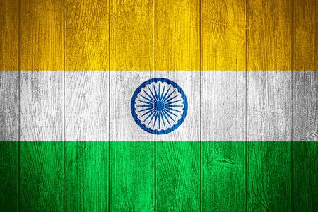 bandera de la india: Bandera de la India o la bandera en fondo de madera tableros