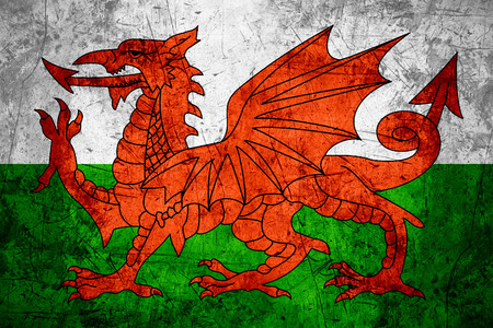 welsh flag: bandiera del Galles o gallese banner sul rough sfondo metallico