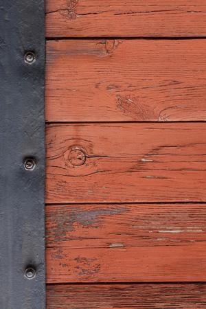 margen: viejo fondo de tablas de madera con un margen placa de metal Foto de archivo