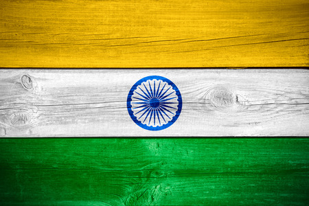 bandera de la india: flag of India or Indian banner on wooden background