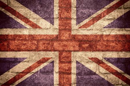 Flagge von Großbritannien und britische Fahne auf Ziegel Textur