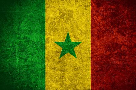 vlag van Senegal of Senegalese banner op gekrast vintage textuur
