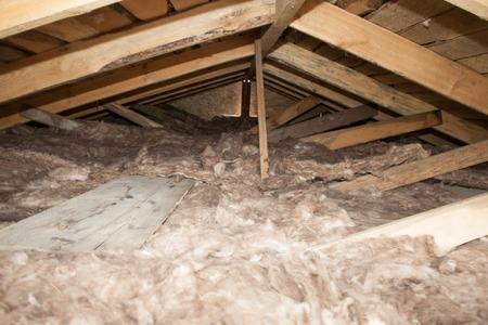 現場施工・住宅屋根用ソフト環境にやさしい断熱材の断熱グラスウール スタックが手肌に安全