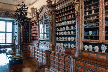KUKS, CZECH REPUBLIC - MAY 16, 2019: Interior of the historical pharmacy in Kuks hospital from 1692 Reklamní fotografie - 129998864