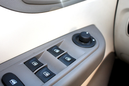 window opening: window switches in the car