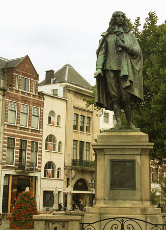 engel: Memorial of dutch politician Johan de Witt in historical centre of the city Hague, Netherlands. Created by Frederik Engel Jeltsema in 1916.