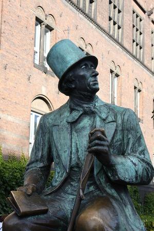danish: A statue of Hans Christian Andersen in Copenhagen the capital of Denmark