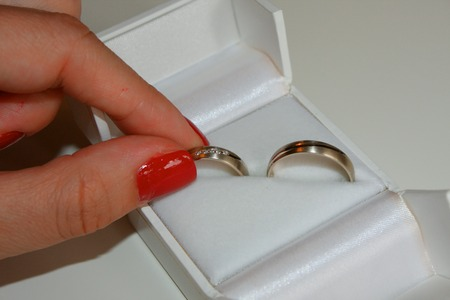 wedded: picking of the wedding rings