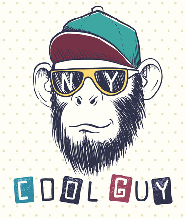 El chimpancé fresco del mono se vistió en gafas de sol y el casquillo. Iniciales de la ciudad Nueva York en eyeglasses.Prints diseñan para las camisetas