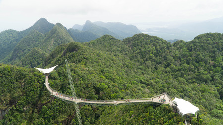 Scary but stunning Sky Bridge built above the hills of Langkawi, Malaysia Archivio Fotografico