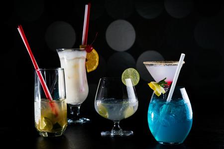 Cocktailbar Standard-Bild - 53441976