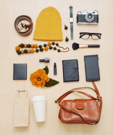 Мода: Мода набор аксессуаров и вещи для осеннего, концепция моды