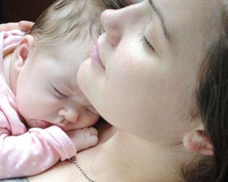 Fille de beau bébé dormir  Banque d'images - 7421838