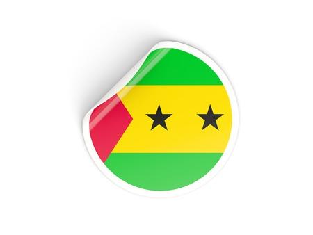 principe: Etiqueta engomada redonda con la bandera de Santo Tomé y Príncipe aislado en blanco