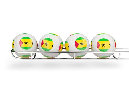 principe: Bandera de Santo Tomé y Príncipe en bolas de la lotería. ilustración 3D