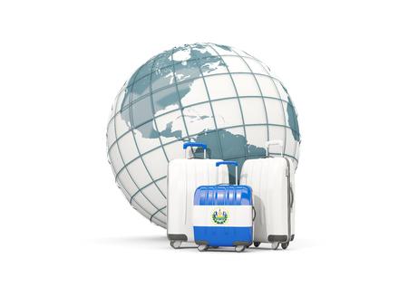 bandera de el salvador: Equipaje con la bandera de el salvador. Tres bolsas en frente del globo. Ilustración 3D