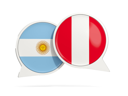 bandera de peru: Chat bubbles of Argentina and Peru isolated on white. 3D illustration