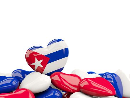 Corazón con la bandera de cuba en la parte superior de corazones colourfull aislado en blanco. Ilustración 3D