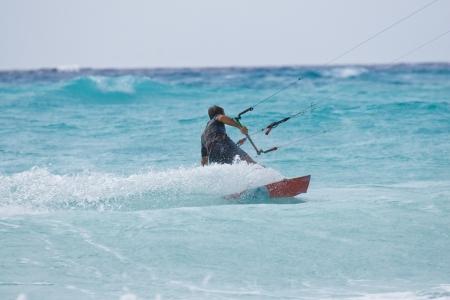 Listo para volar hasta kite surfer