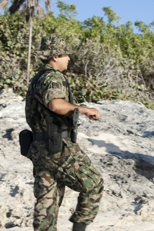 Mexican soldiers are checking coastline of boarder