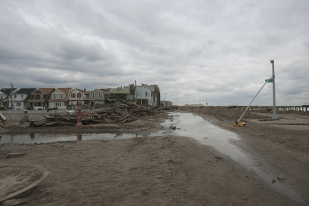 NEW YORK - October 31:Destroyed homes in  Far Rockaway after Hurricane Sandy October 29, 2012 in New York City, NY Stock Photo - 16179691