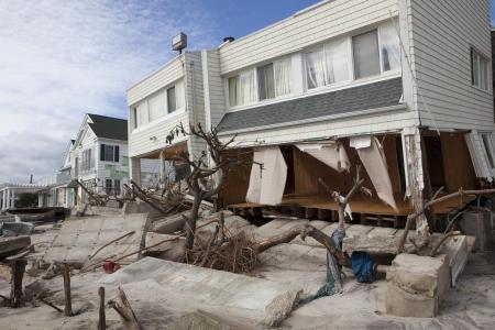 NUEVA YORK - 31 de octubre: Casas destruidas en Far Rockaway despu?s del Hurac?n Sandy 29 de octubre 2012 en Nueva York, Nueva York Editorial