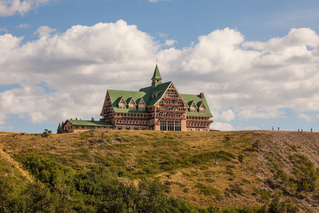 meadowland: Prince of Wales Hotel in Waterton lakes National park, Alberta, Canada