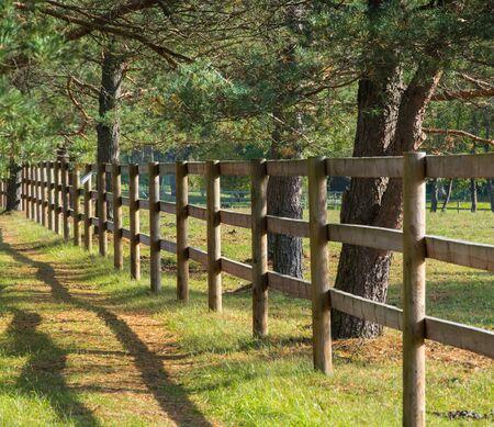 A simple wooden fence for horse pen Banque d'images