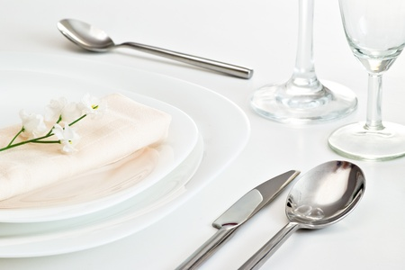 table setting with white little flower Banque d'images