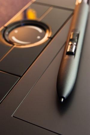 gros plan de stylo pour tablette graphique avec une faible profondeur de champ