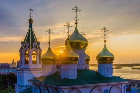 Nizhny Novgorod, Russia - August, 2020: Golden domes of the Church of the Nativity of John the Baptist in Nizhny Novgorod 版權商用圖片