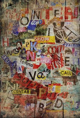 muro: Grunge texture di sfondo con vecchio lacerato giornali Archivio Fotografico