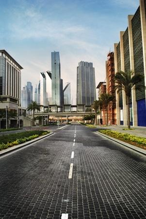 carretera: Rascacielos en Dubai, Emiratos �rabes Unidos Foto de archivo